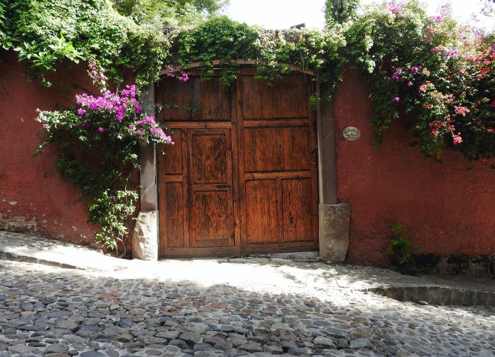 8 idées d'allée et de terrasse pour votre espace extérieur