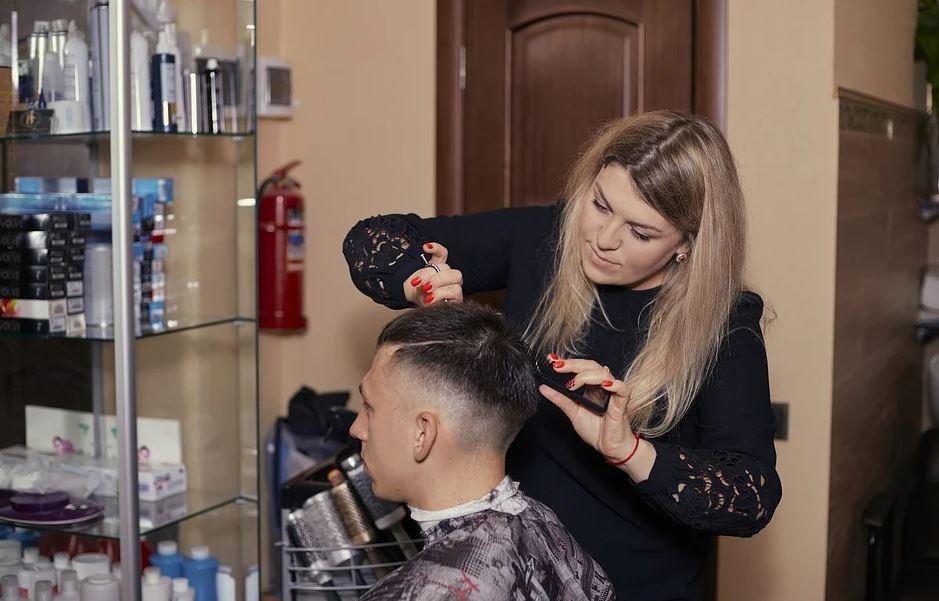 Mobilier coiffure et efficacité du travail : quel rapport?