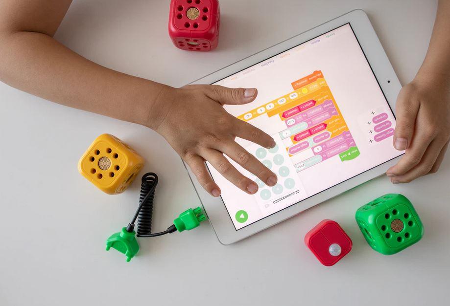 Quel jouet éducatif offrir pour bébé de 18 mois ?